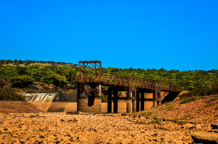 Rusty bridge- Venna lake