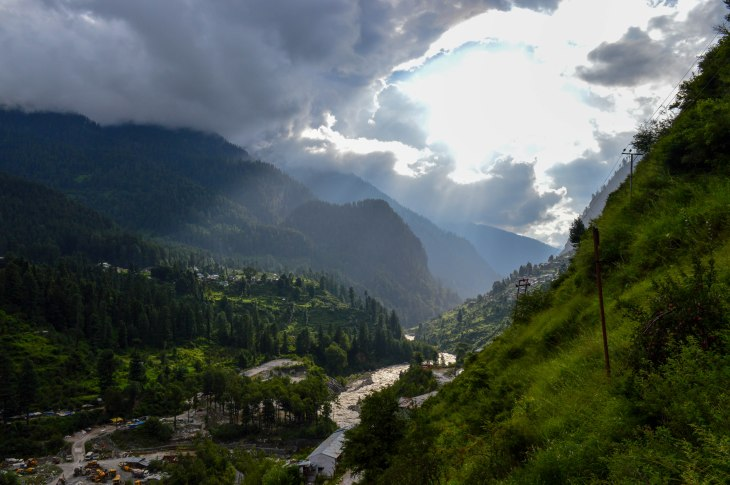 Hike from Barshaini to Tosh