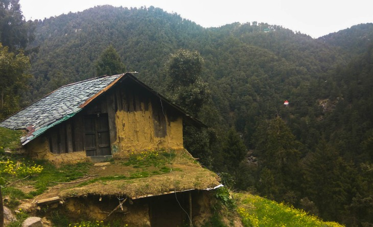 A mud house on the way to Ganji Pahadi